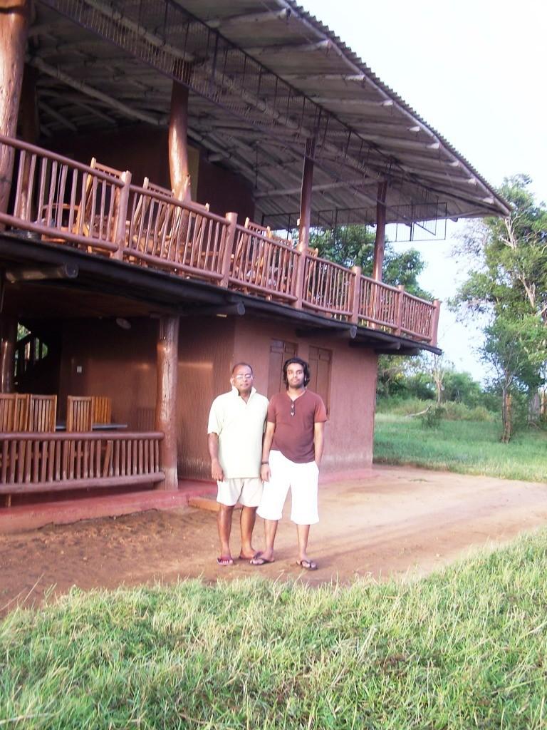 some photos of the Thimbiriyamankada bungalow